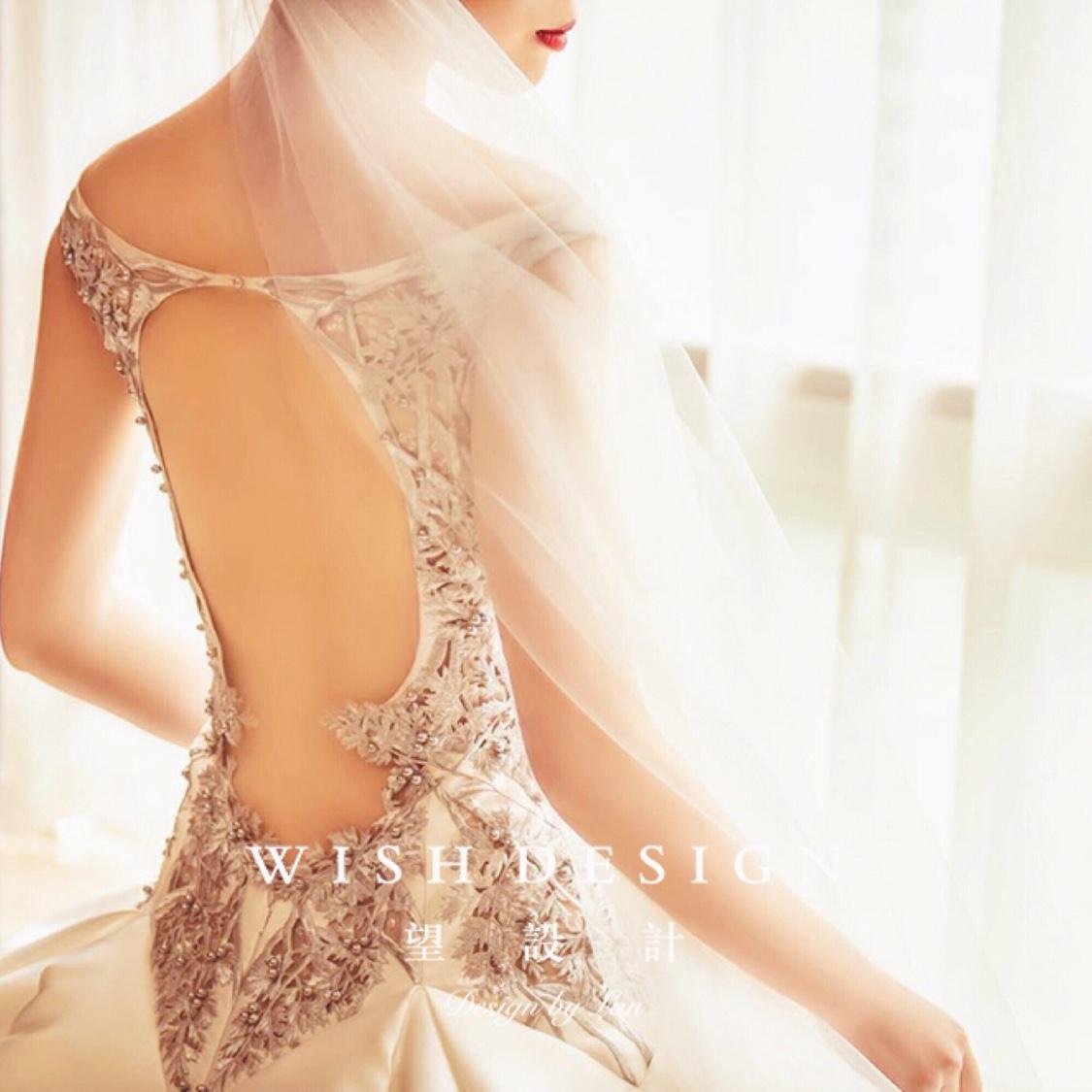 超强气场婚纱Queen,镂空刺绣设计元素精致夺目